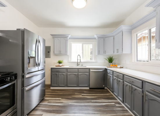 18th St_017-Kitchen-5738018-medium