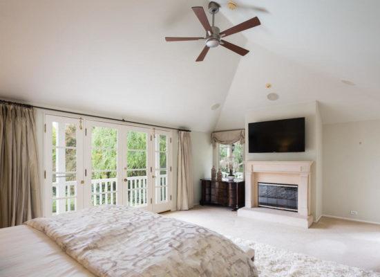 980 El Campo Dr Pasadena CA-large-050-60-Master Bedroom-1334x1000-72dpi